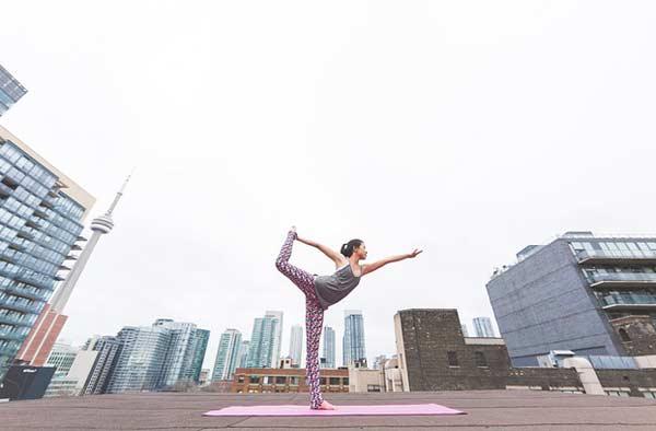 Sportlich werden - Yoga ist so gut wie überall machbar